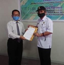 Rektor Serahkan Tiga Pustu ke Pemkot Palu Sulteng Raya-Pendidikan-68 Views